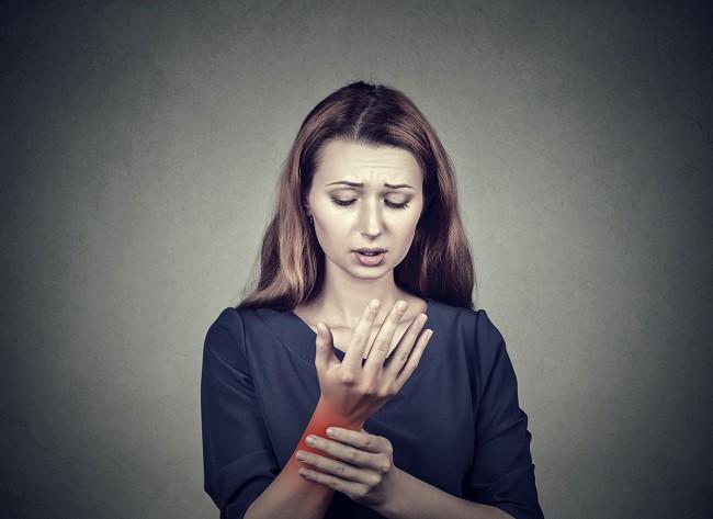 Articulațiile doare și mâncărime - Durerea de oase: de ce apare si ce o favorizează