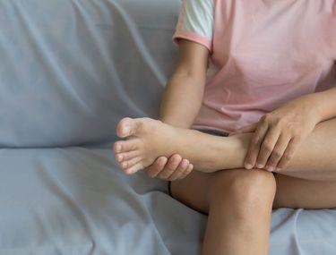 Picioare umflate - cauze, prevenire si tratament Glezna umflată decât pentru a trata