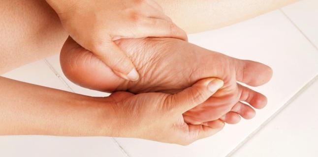 umflarea durerii articulare și furnicături articulațiile sunt pline în întregime