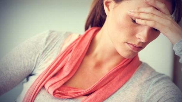 Durerea lombara cauzata de statul in sezut – de ce apare & remedii