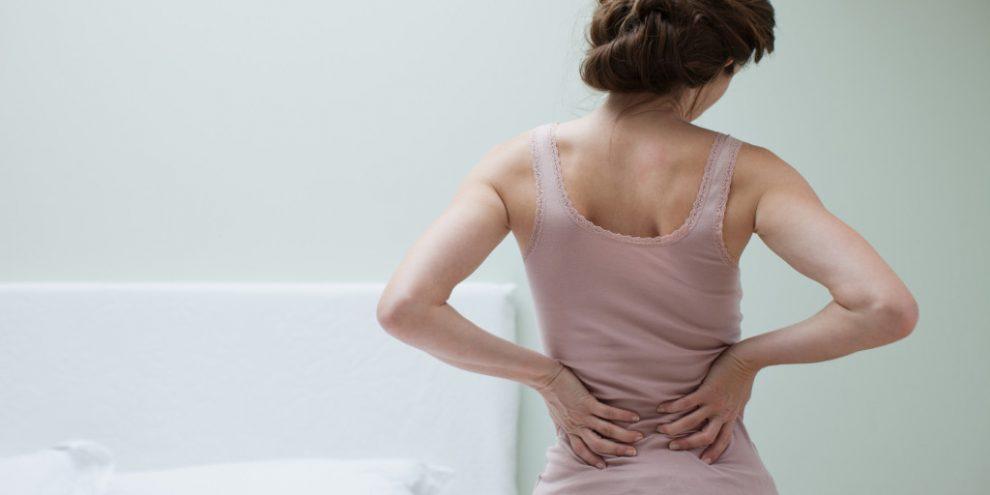Lipsa acestei vitamine banale dă dureri puternice de spate și de articulații - Doctorul Zilei