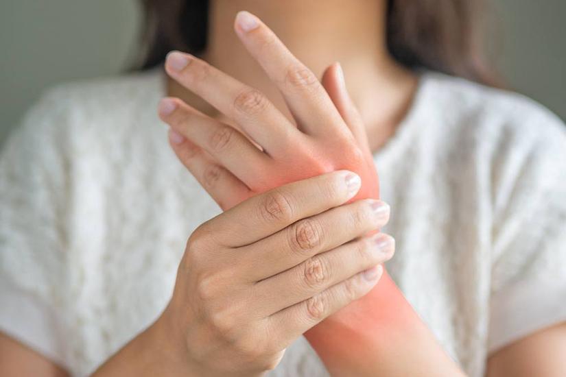dureri articulare lângă mână